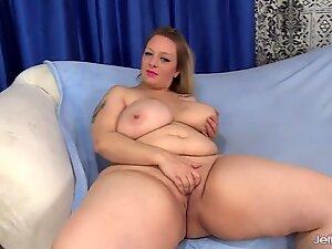 Big boobed BBW Sinful Samia sucks and fucks
