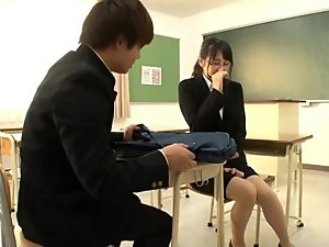 Can you survive nearly 15 minutes of JAV actresses building up sneezes?