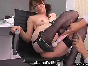 Subtitles - gorgeous Maki Hojo pulverized rock hard in office