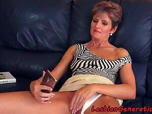 Mature lesbian fingerfucked passionately