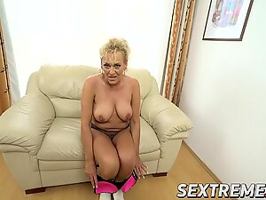Pervert granny Magdi takes Robs hard cock smothly in her pussy