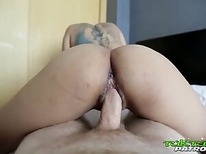 Tuk Tuk Patrol - Thai beauty gets her pussy slayed by white cock