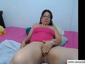 Big Butt MILF Granny on the Prowl - www.camsvideo.ga