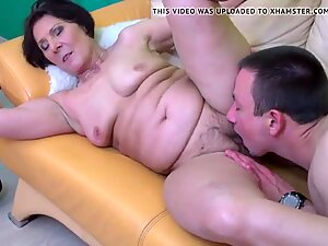 Real granny gets nice sex with young boy