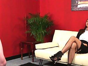 Fetish hottie watches tug