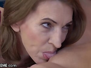 21Sextreme Teen Lesbian Ass Licked by Mature GILF